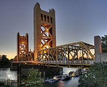 220px-Tower_Bridge_Sacramento_edit